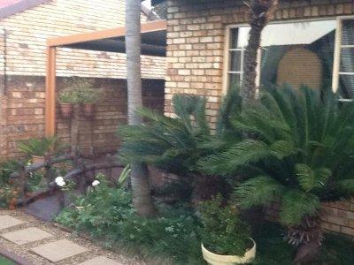 2 Bedroom Property For Sale In Parktown, Johannesburg