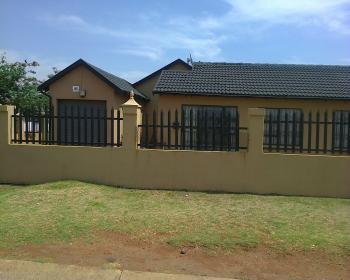 3 Bedroom House For Sale In Dawn Park Boksburg