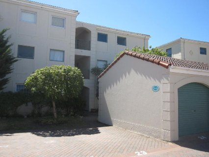 2 Bedroom Apartment For Sale In Tokai, Southern Suburbs
