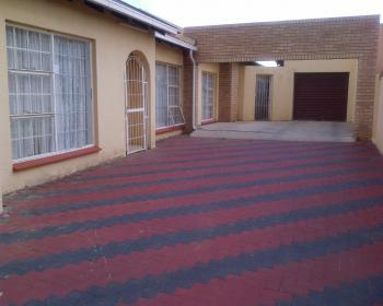5 Bedroom House For Sale In Lenasia South Ext 1 Johannesburg
