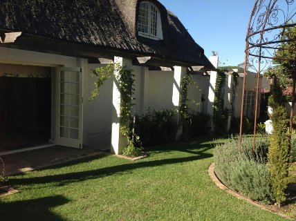 8 Bedroom House For Sale In Wynberg, Southern Suburbs