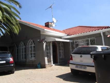 3 Bedroom House For Sale In Kensington, Johannesburg