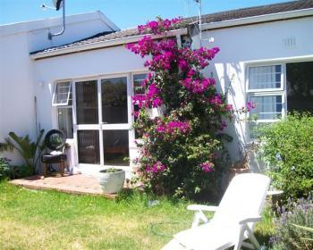 2 Bedroom House For Sale In Fish Hoek, Southern Peninsula
