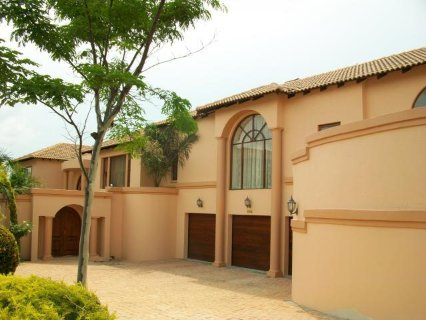 6 Bedroom House For Sale In Fourways, Johannesburg