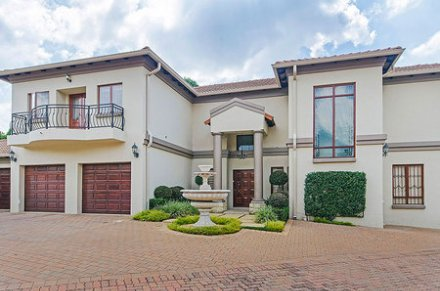 4 Bedroom Property For Sale In Bryanston, Johannesburg