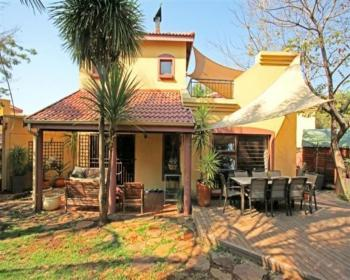 2 Bedroom Duplex For Sale In Northgate Johannesburg