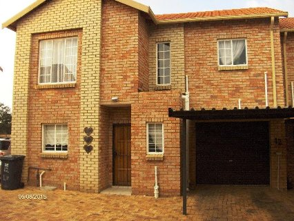 3 Bedroom Property For Sale In Willowbrook, Johannesburg