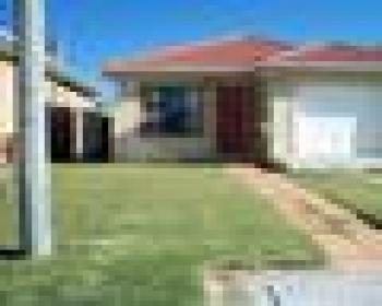 3 Bedroom House For Sale In Bayview Strandfonein