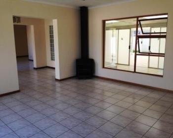4 Bedroom House For Sale In Flamingo Vlei, West Coast