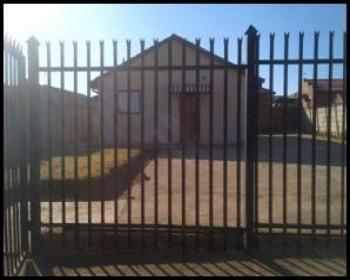 3 Bedroom House For Sale In Lotus Garden Pretoria