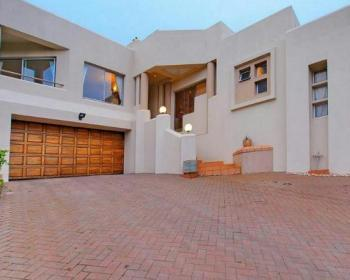 4 Bedroom House For Sale In Constantia Kloof, Johannesburg
