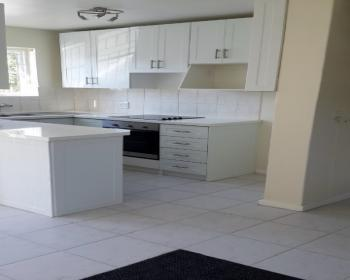 2 Bedroom Duplex For Sale In Kenilworth Southern Suburbs