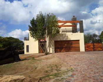 3 Bedroom House For Sale In Hartbeespoort Bojanala