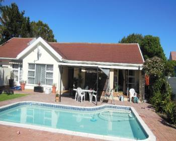 5 Bedroom House For Sale In Blouberg, West Coast