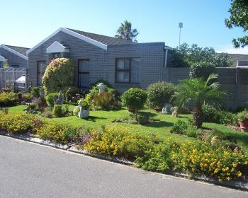 2 Bedroom House For Sale In Kraaifontein, Northern Suburbs