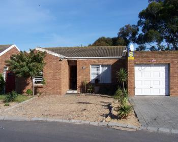 3 Bedroom House For Sale In Kraaifontein, Northern Suburbs