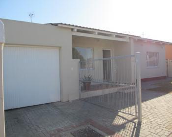 3 Bedroom House For Sale In Kraaifontein, Northern Suburbs