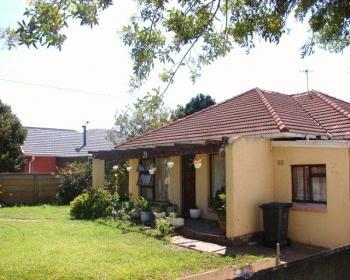 3 Bedroom House For Sale In Lansdowne, Southern Suburbs