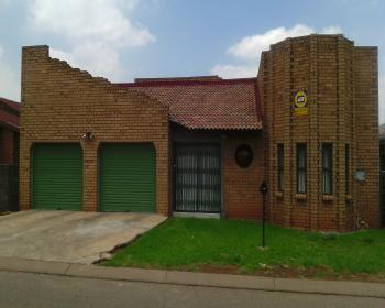 3 Bedroom House For Sale In Spruitview Gerniston