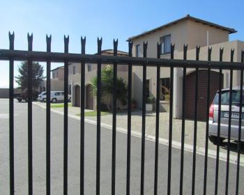3 Bedroom Apartment For Sale In Parklands, West Coast