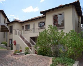 2 Bedroom Apartment For Sale In Bryanston, Johannesburg