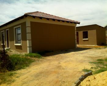 2 Bedroom House For Sale In Tsakane Ext 5 Brakpan