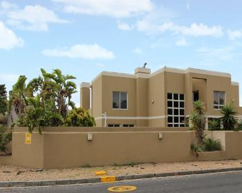 4 Bedroom House For Sale In Tableview West Coast