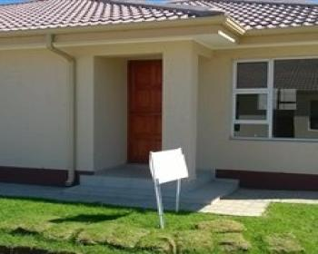 2 Bedroom House For Sale In Mosselbaai, Eden
