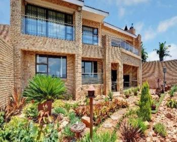 4 Bedroom Property For Sale In Northcliff, Johannesburg