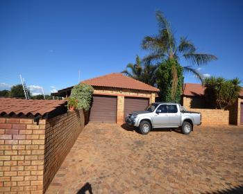 2 Bedroom Property For Sale In Randfontein, West Rand