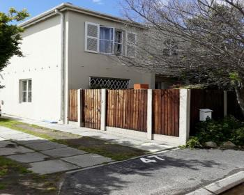 3 Bedroom Duplex For Sale In Kenilworth, Southern Suburbs