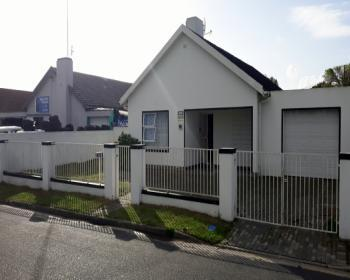 3 Bedroom House For Sale In Athlone, Cape Flats