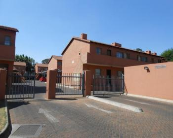 2 Bedroom House For Sale In Brakpan, East Rand