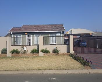 3 Bedroom House For Sale In Windmill Park Boksburg
