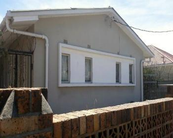 2 Bedroom House For Sale In Athlone, Cape Flats