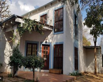 3 Bedroom House For Sale In Hatfield, Pretoria