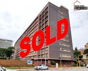 2 Bedroom Flat For Sale In Point - Harbour Durban City