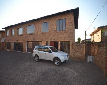 3 Bedroom Duplex For Sale In Randfontein, West Rand