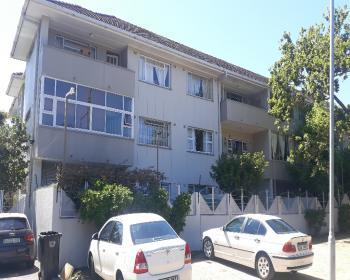 2 Bedroom Apartment For Sale In Kenilworth, Southern Suburbs