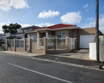 4 Bedroom House For Sale In Athlone, Cape Flats