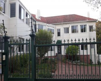 2 Bedroom Flat For Sale In Kenilworth, Southern Suburbs