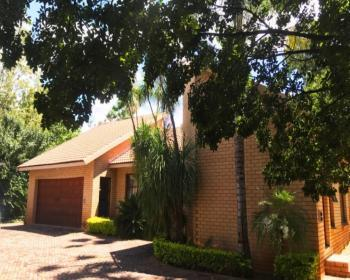4 Bedroom House For Sale In Fairlands Johannesburg